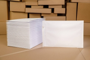 White bubble padded envelopes H18 100pcs., Economy